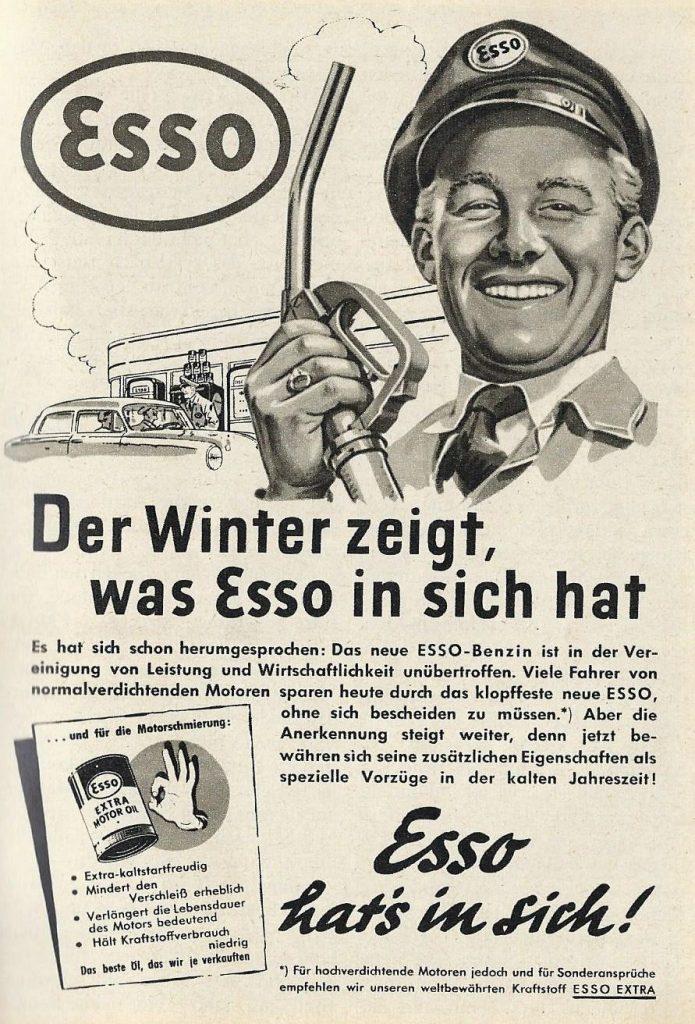 Anzeige des Mineralölunternehmens Esso aus dem Jahr 1954. Passend zum Erscheinungsmonat Dezember werden die Wintereigenschaften von Benzin und Öl hervorgehoben.